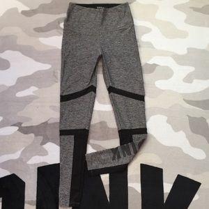 👖$18 IF BUNDLE. Vs Pink ultimate mesh leggings